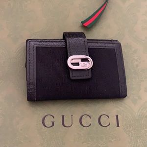 Authentic Gucci card & keys holder UNISEX